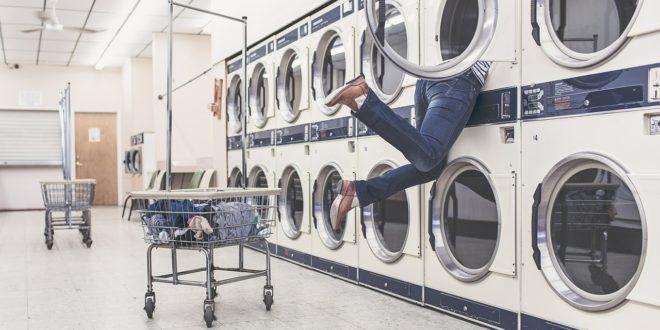A műszálas ruhák mosásakor felszabaduló mikroszálak szennyezik az északi-sarkvidék vizét