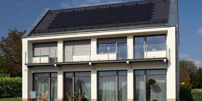 Magyar fejlesztésű napelemes tetőcserép, elindult a gyártás