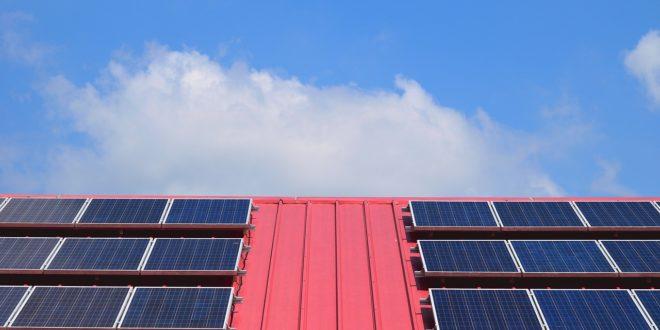 Ekkortól igényelheti az ingyen napelemeket