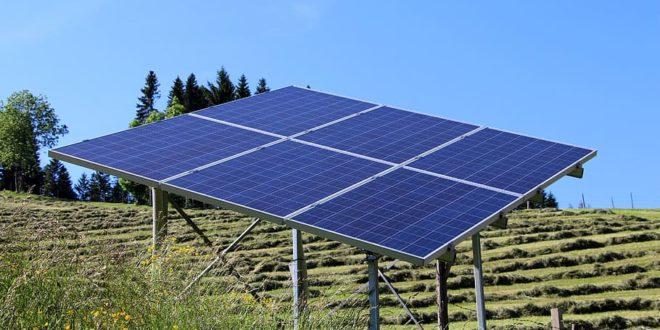 Egyszerű megoldással növelnék a napelemek teljesítményét