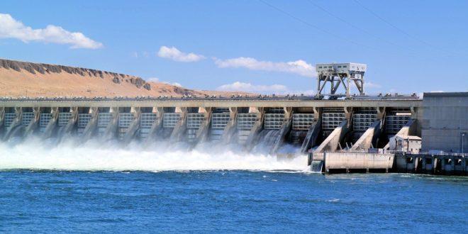 Hatalmas kihasználatlan energiát talált Bill Gates a vízben