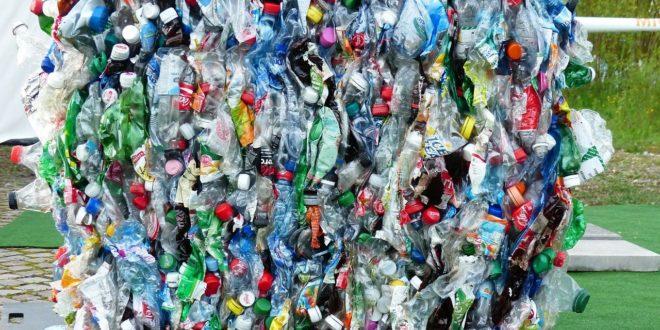Tokió 2020 – Újrahasznosított műanyag palackokból készülnek a dobogók
