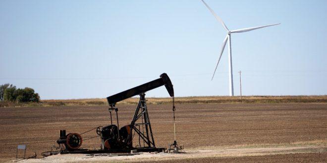 A működő olaj- és gázfúró kutak száma 1975 óta a legalacsonyabb szintre esett a világon tavaly