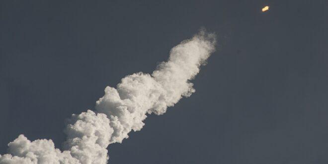 A milliárdosok űrversenye a légszennyezés növekedését hozhatja