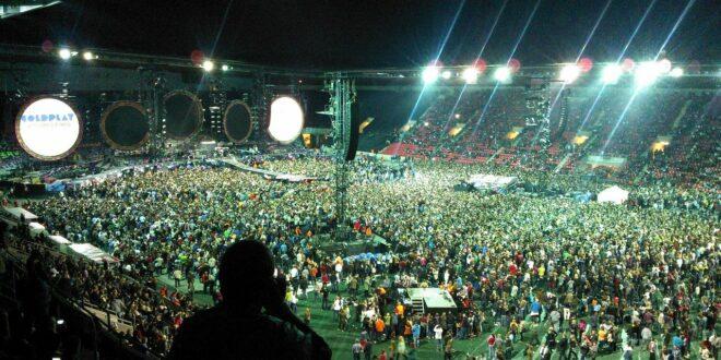 A Coldplay környezetbarát világturnét tervez jövőre